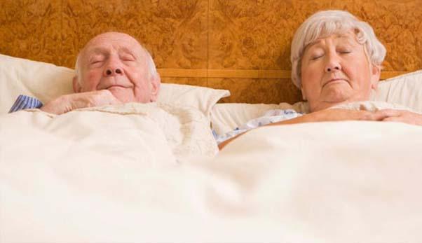 Chọn nệm thông hơi cao cấp cho người cao tuổi